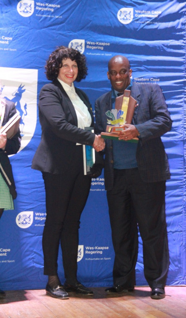 Thabo Tutu from DCAS with the Sportwoman with a Disabilty Winner, Susan Agrella