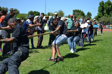 The Agriculture team beat the Infantry school in tug-of-war