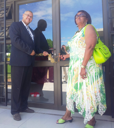 Adv. Lyndon Bouah (DCAS Sport and Recreation) and Cllr Leah Stalmeester (Oudtshoorn Municipality) opened of the office of the Eden Sport Academy at the De Jager Sport Complex.