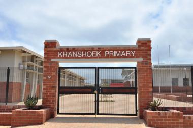The entrance of the Kranshoek Primary School.