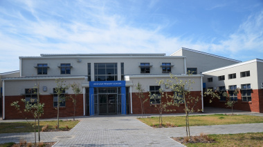 The entrance to the Wesfleur Primary School.