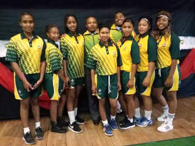 The girls rugby team in their official Central Karoo DAS colours