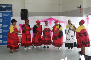 The ladies from the Siyazama Dance Group ensured guests received some entertainment