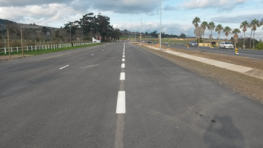 The newly completed eastbound carriageway of Stellenbosch Arterial.