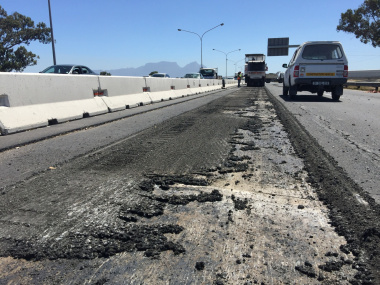 The removal of the existing asphalt on the N2.