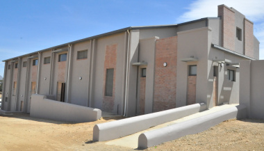 The school hall has a capacity for 1 250 learners.