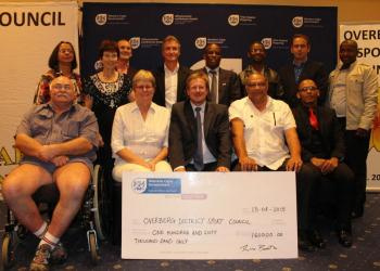 The sports federations who form part of the Overberg District Sport Council with Minister of Cultural Affairs and Sport, Theuns Botha and Mayor of Theewaterskloof, Clr Lincoln de Bruyn