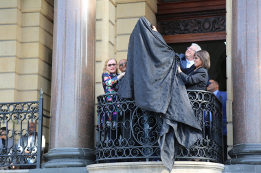 The unveiling begins
