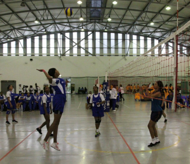 Tough competition in the volleyball match
