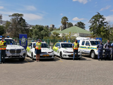 Traffic and SAPS officers