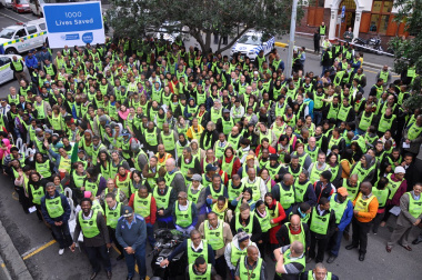 Volunteers gathered near 9 Dorp Street on 24 July 2012 for a visual representation of the 1 000 lives saved since the beginning of 2009.