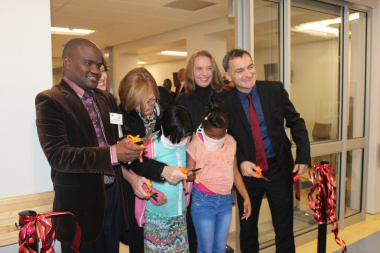 Dr Matodzi Mukosi (CEO: Red Cross War Memorial Children's Hsopital, Premier Helen Zille, Dr Anita Brink (Head of Nuclear Medicine) and Spencer McNally (Chairman of the Children's Hospital Trust) with Kauthar Williams and Jamie Lee Kollie.