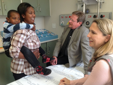 On the photo, from left, is Shamiela Baredien with her son, Muzamiel, who had undergone surgery on 5 July as part of the Weekend Surgery Initiative. With them is Western Cape Minister of Health, Theuns Botha, and Paediatric Surgeon, Dr Sharon Cox.
