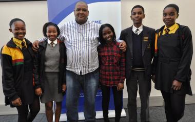 Western Cape urban category debate team: Philasande Biyongo, Bubelekazi Mbala, Mark Jansen (Director: Road Safety Management), Patience Ruswa, Mona-Lisa Matshayana and Likhona Dyan.