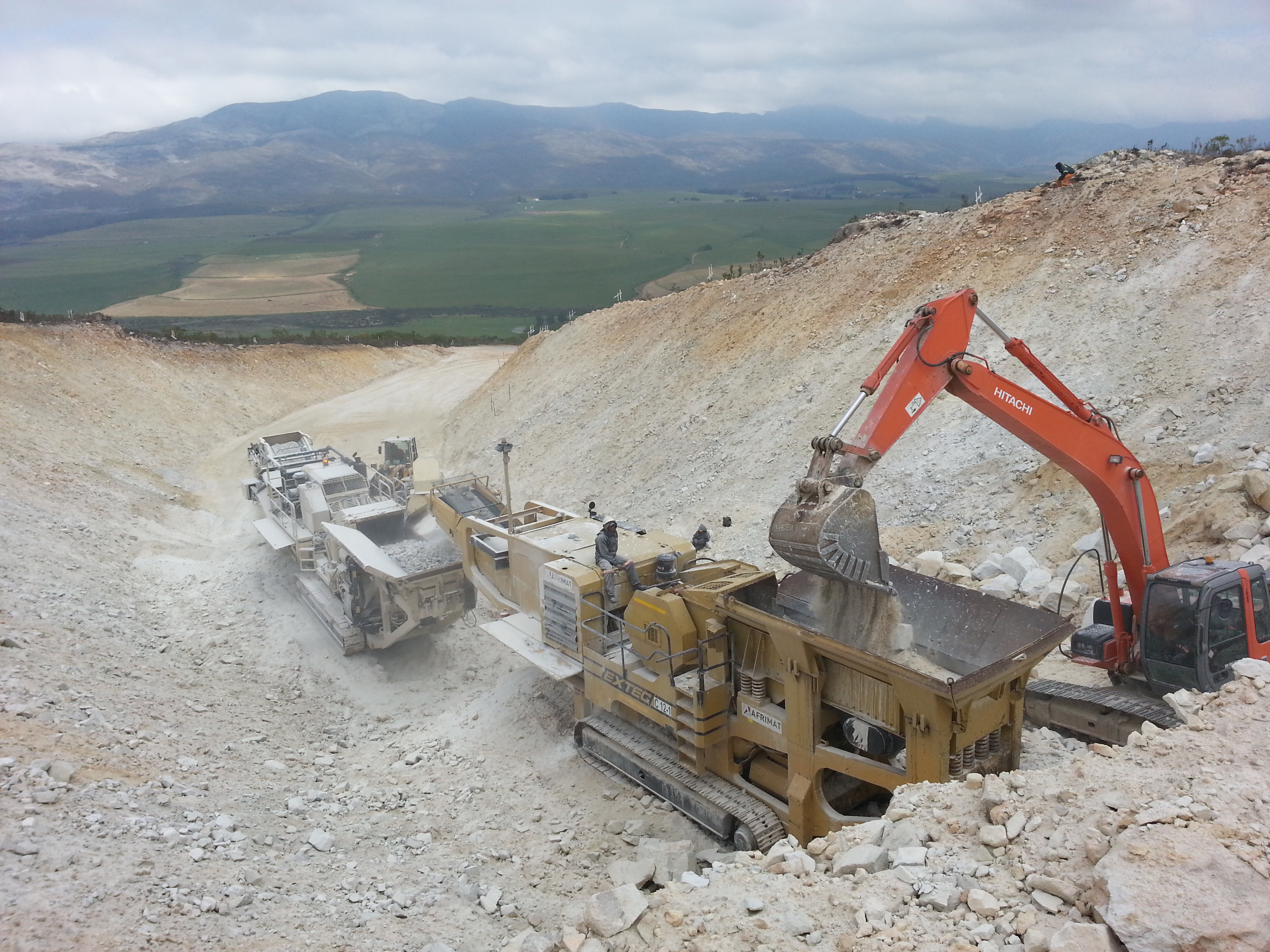 The crushing operation at Shaws Mountain Pass.