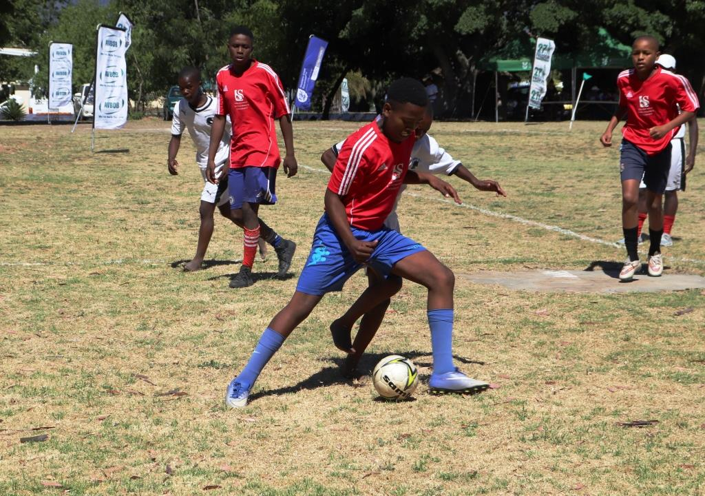 The youth teams gave it their all in a match between Desmond Tutu and Makapula Secondary School.